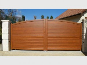 202-portail-battant-alu-bois-arrondi-lames-horizontales-sinard-fabrication-installation-entretien-alproconcept