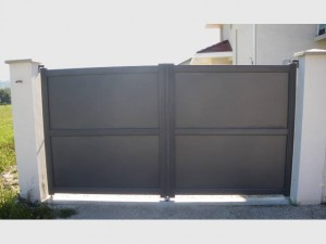 203-portail-battant-alu-toles-horizontales-plein-meylan-fabrication-installation-entretien-alproconcept