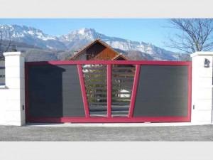 portail-coulissant-contemporain-ajouré-vif-bicolore-fabrication-installation-entretien-alproconcept