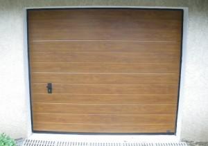Porte sectionnelle ton bois