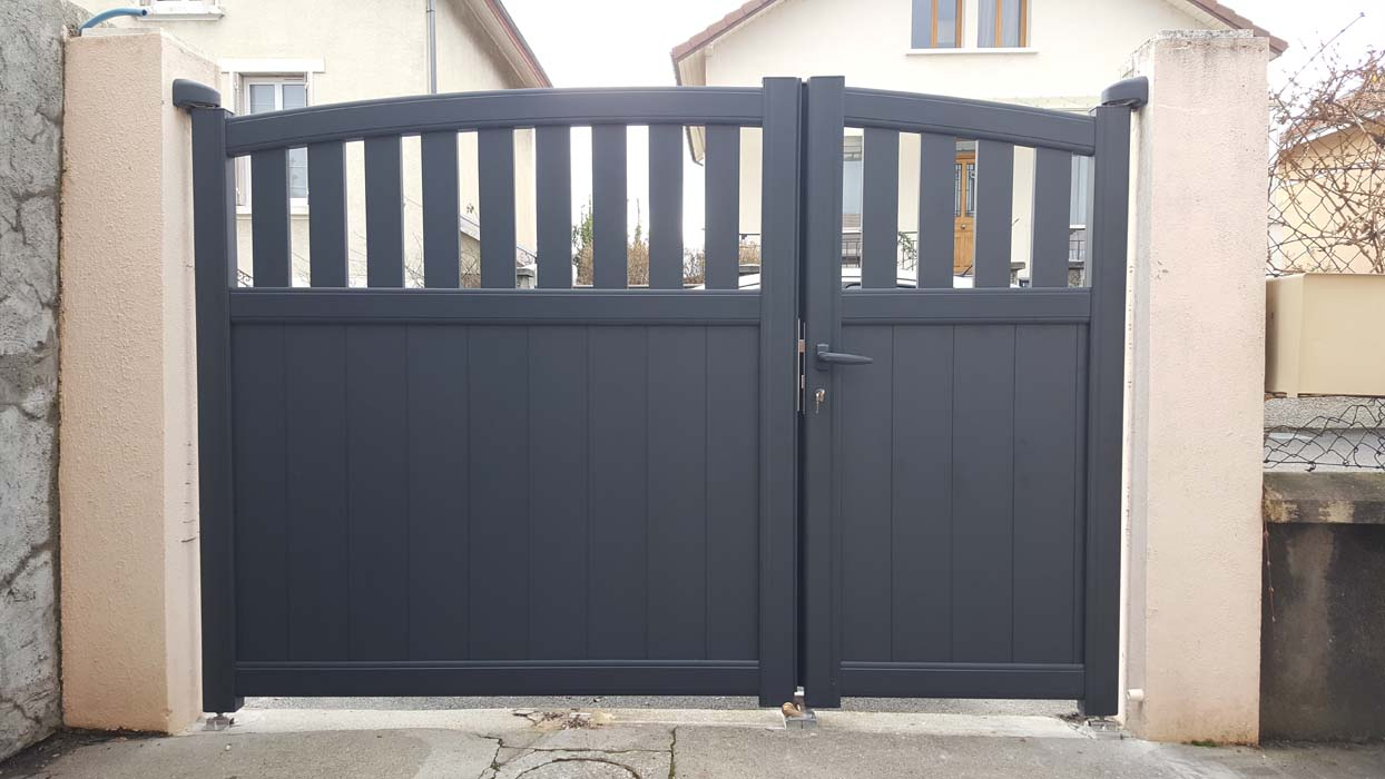 fabrication et pose portail aluminium grenoble alproconcept alproconcept. Black Bedroom Furniture Sets. Home Design Ideas